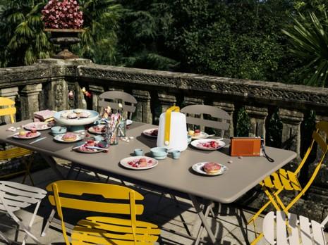 Huele a primavera:  La decoración con muebles para terrazas pequeñas
